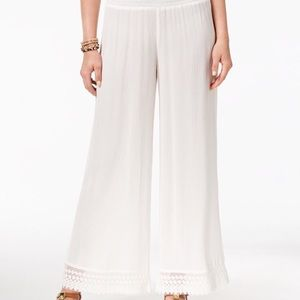 Comfy and casual. Great for the pool or beach.